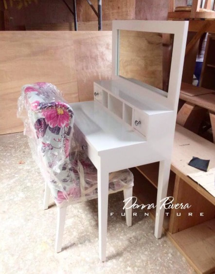 vanity with mirror and chair.  Vanity Mirror Tables